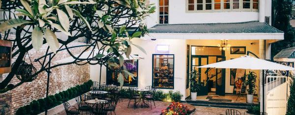 Không gian quán cafe đủ đẹp làm cho người ngồi cảm giác thư thái, nhẹ nhàng