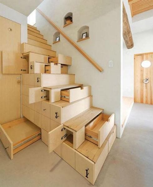Cầu thang với rất nhiều ngăn chứa đồ