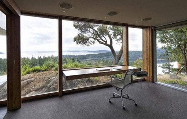 Phòng làm việc tại nhà với không gian thông thoáng