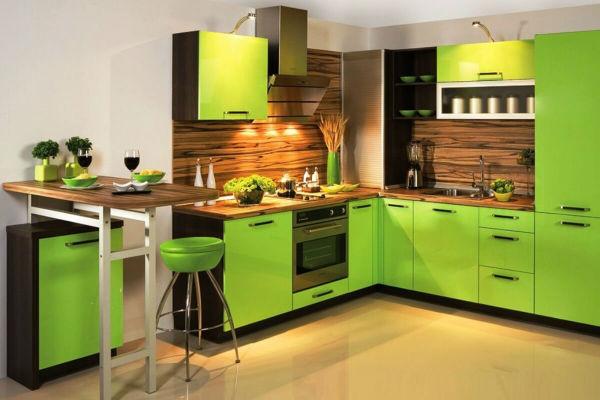Tủ bếp sơn màu sắc tươi sáng nổi bật