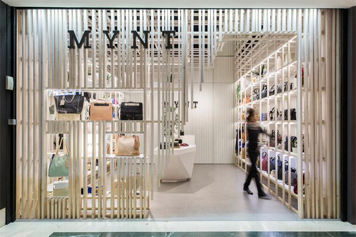 Không gian nội thất cửa hàng - Thiết kế mặt tiền bắt mắt luôn thu hút được mọi ánh nhìn từ bên ngoài