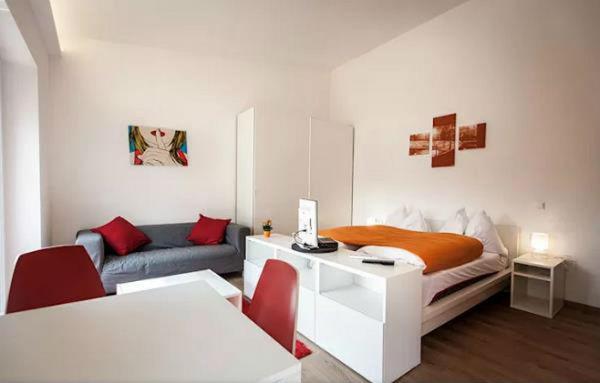Trang trí nhà cửa với các bức tường trống