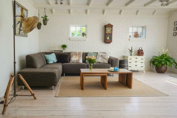 Trang trí phòng khách với nội thất nhỏ gọn và đơn giản