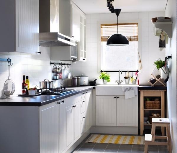 tuyệt đối không để chậu và tủ lạnh quá gần hoặc ngay đối diện với bếp nấu.