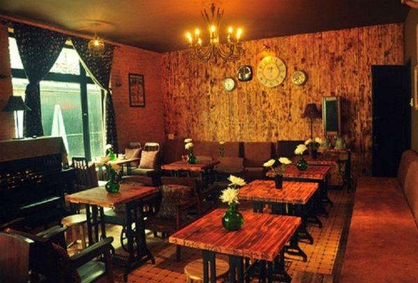 Trang trí quán trà sữa độc và lạ theo phong cách cổ điển