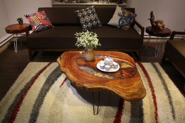 Tạo điểm nhấn bằng bàn trà làm từ gỗ độc lạ