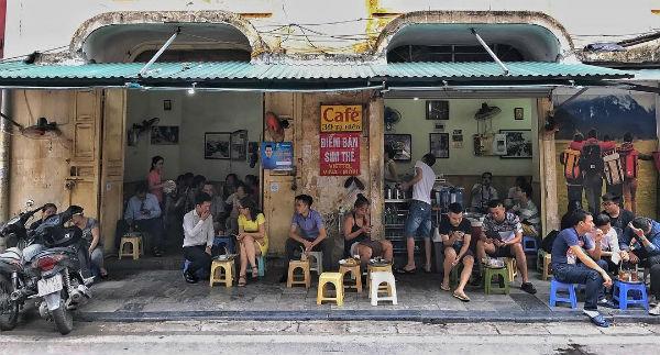 Thiết kế trang trí quán café độc và lạ tận dụng không gian