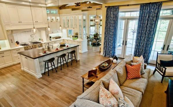 Thiết kế nhà bếp kế bên phòng khách tạo một không gian mở