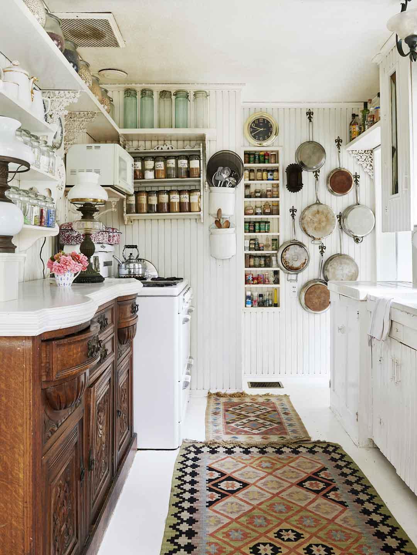 Phòng bếp tươm tất, gọn gàng