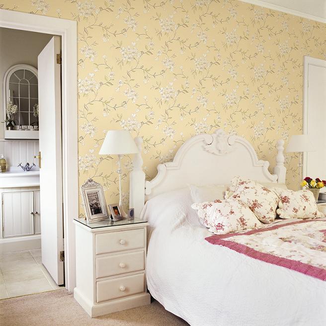 Trang trí phòng ngủ bằng giấy dán tườngTrang trí phòng ngủ bằng giấy dán tường họa tiết đơn giản họa tiết đơn giản