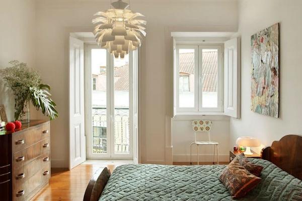 Trang trí phòng ngủ bằng tác phẩm điêu khắc hội họa mang một không gian nghệ thuật