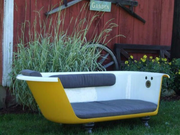Bồn tắm cũ thành ghế sofa tuy công đoạn hơi cực nhưng thành phẩm quá tuyệt