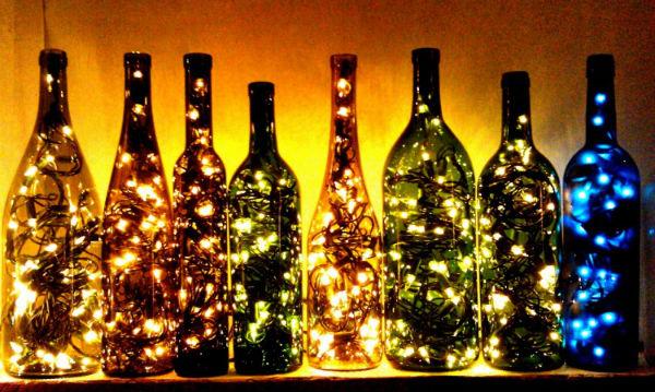 Đèn trang trí bằng vỏ chai thủy tinh đẹp lung linh