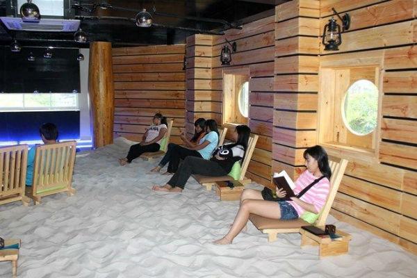 Quán cafe bãi biển sống động như thật trong lòng TPHCM