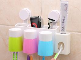 Đặt các vật dụng vệ sinh gọn gàng