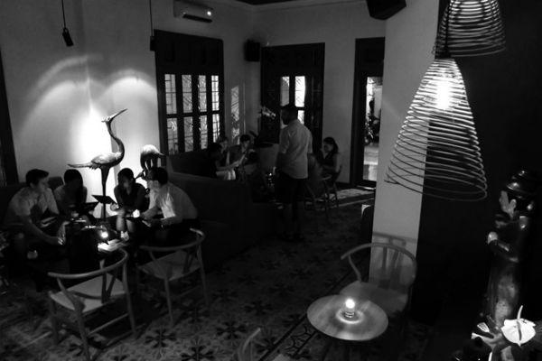 Nhà hàng Noir - Nhà hàng của bóng tối với trái tim là cả bầu trời