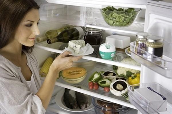 Không lưu trữ quá nhiều đồ ăn trong tủ lạnh
