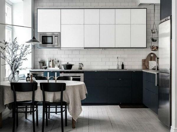 Nhà bếp sử dụng màu đen sẽ hạn chế bụi bẩn